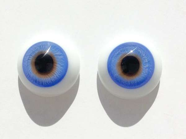 Glass eyes blue yellow. 20 mm