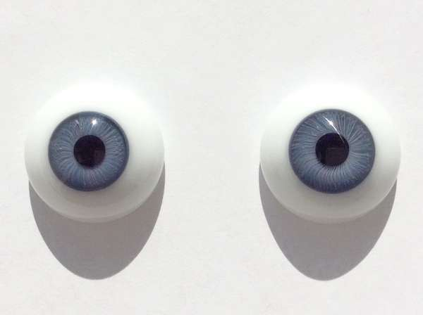Glass eyes grey blue. 22 mm