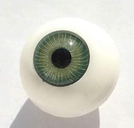 Vintage plastic eyes. 16 mm.