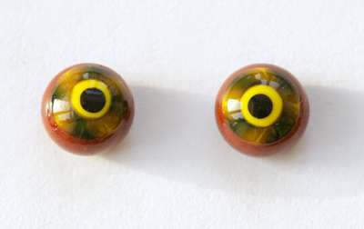 Yellow brown on brown. 10 mm