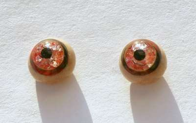Red on beiges whit crackle. 10 mm