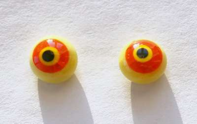 Yellow orange whit crackle. 10 mm