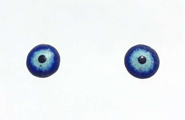 Enamel eyes-buttons. 11 mm. 5 euro.