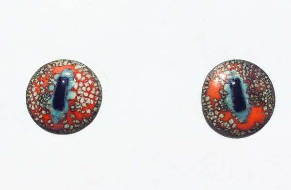 Enamel eyes-buttons. 14 mm. 5 euro.
