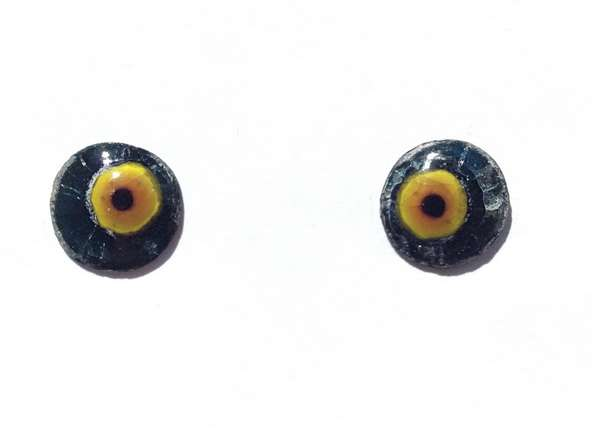 Enamel eyes-buttons. 13 mm. 5 euro.