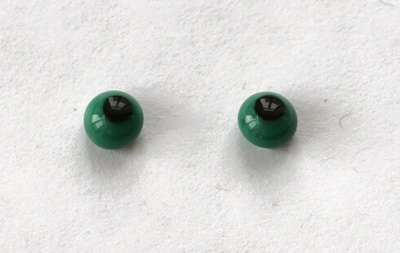 Dark green. 5 mm