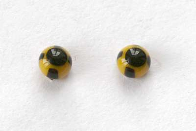 Yellow whit black strips. 4 mm