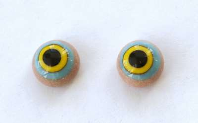 Yellow on blue, on beiges. 10 mm