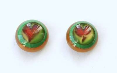 Red heart on green and yellow. 12 mm