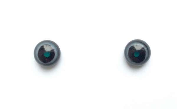 Black whit big pupil. 7 mm