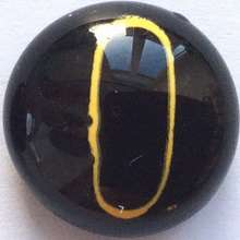 Yellow-black. 16 mm