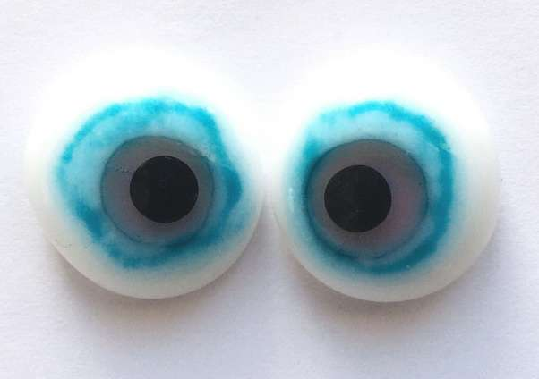 Blue on white. 17 mm 8 euro