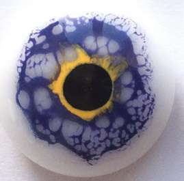 Blue-yellow-white. 17 mm.