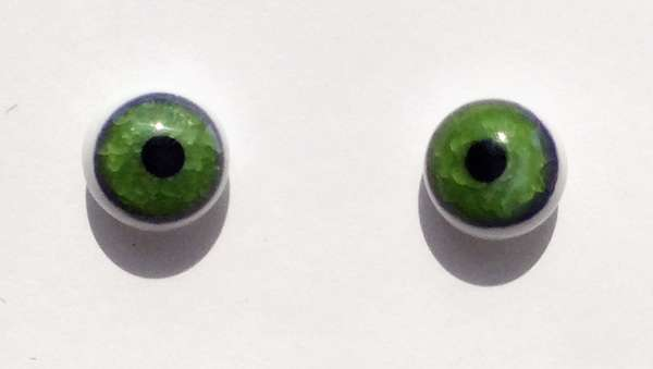 Green on white. 9 mm