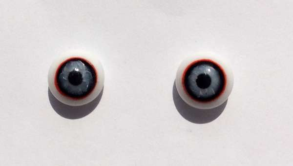 Red, black, white circle. 9 mm