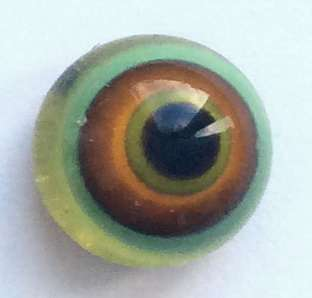 Yellow red on green. 7 mm
