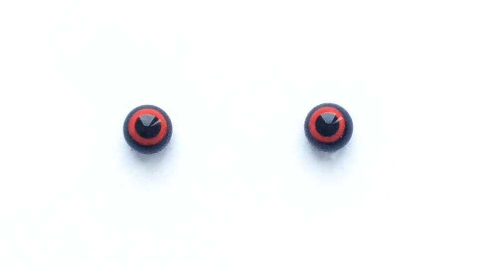 Red on black. 4 mm